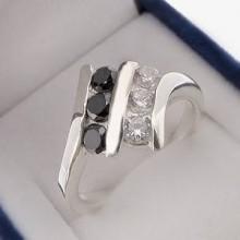 Stříbrný prsten se zirkony KPS127