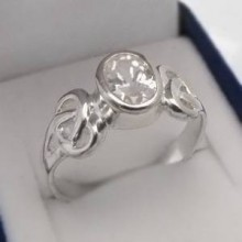 Stříbrný prsten se zirkonem KPS137