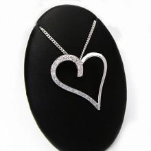 Luxusní stříbrný přívěsek srdce s kamínky (KPRS019)