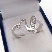 Stříbrný prsten KPS093